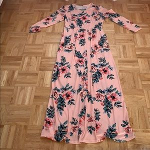 Dresses & Skirts - Pink floral maxi